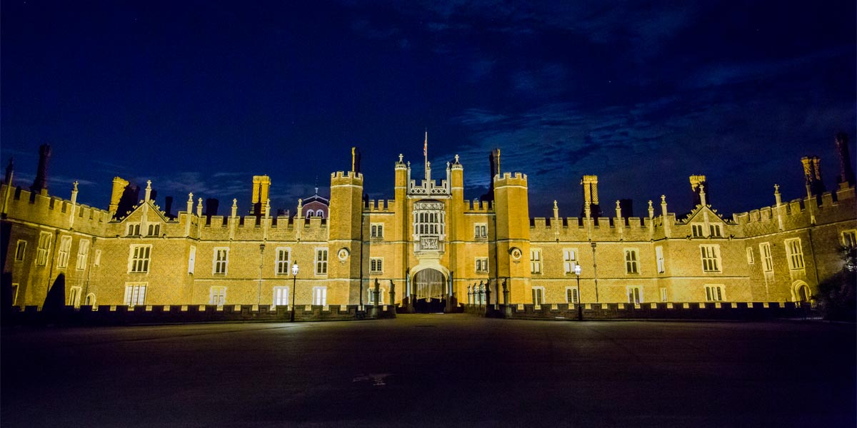 Grand Venue In London, Hampton Court Palace, Prestigious Venues