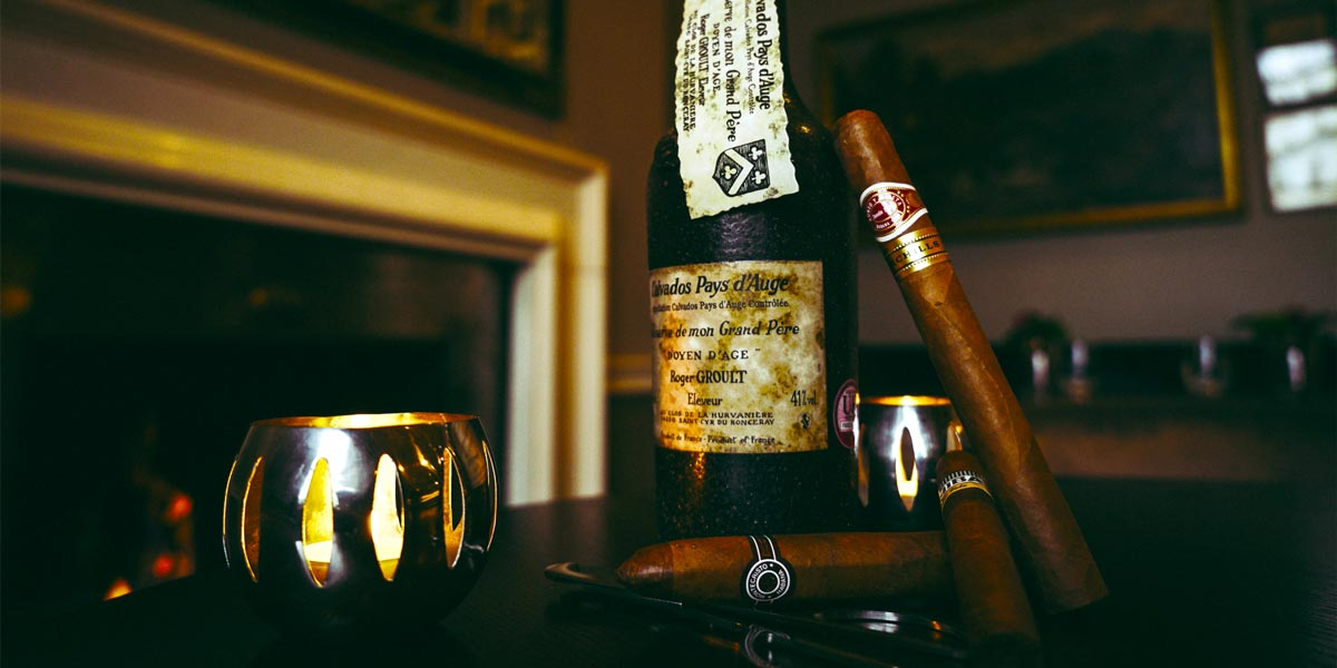 Cigars, The Hyde Bar, The Royal Park Hotel, Prestigious Venues