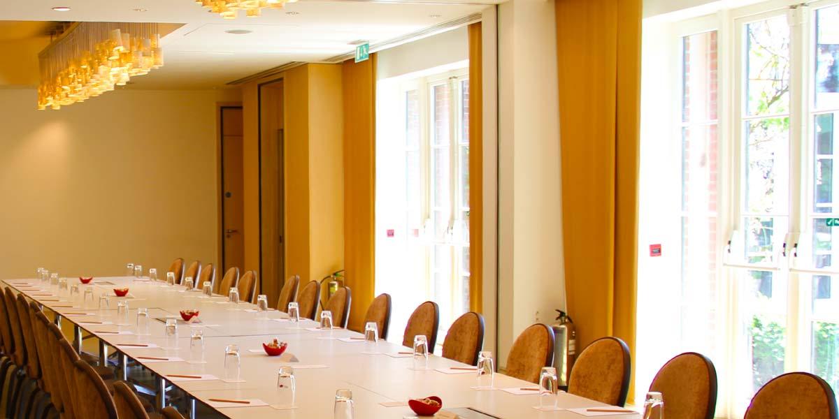 Board Meeting Venue, Cinnamon Board Room, The Grove, Prestigious Venues