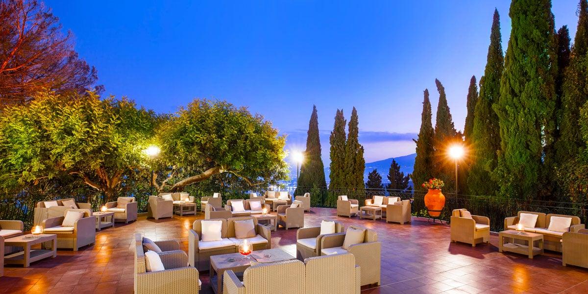 Bar Il Vecchio Carrubo at Hotel Villa Diodoro