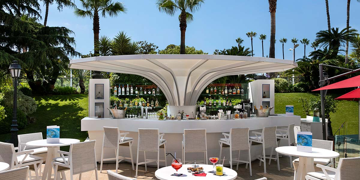 Outdoor Beach Bar Venue, Hotel Barriere Le Majestic Cannes, Prestigious Venues