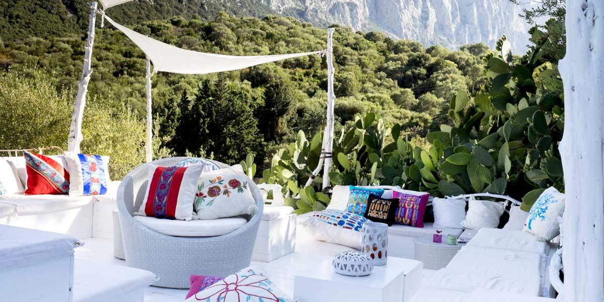 Terrace of Dreams, Su Gologone, Prestigious Venues