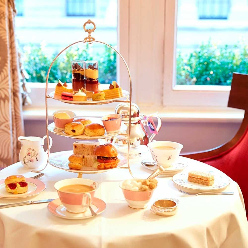 Guest Prizes, Afternoon Tea, Prestigious Star Awards
